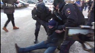На Лубянке задержали протестующих