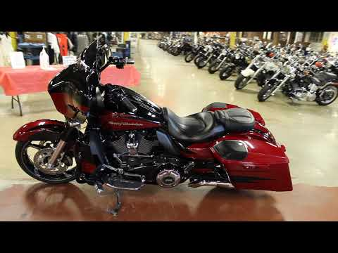 2017 Harley-Davidson CVO™ Street Glide® in New London, Connecticut - Video 1