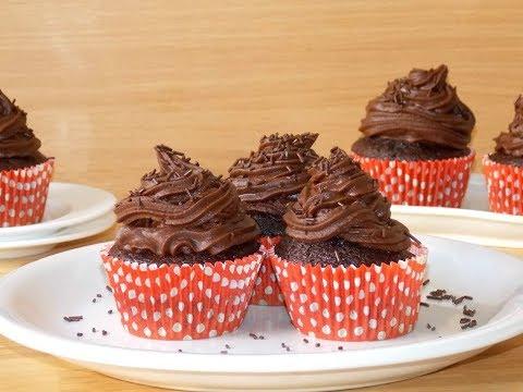 0 Cupcakes clasice de ciocolată