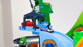 Thomas & Friends Big Mountain & CRANKY トーマストミカ ビッグマウンテンとクランキー