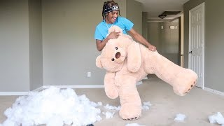 GIANT TEDDY BEAR SCARE PRANK ON GIRLFRIEND!!!
