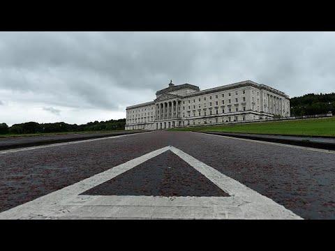 Β. Ιρλανδία: Κατέρρευσαν οι συνομιλίες
