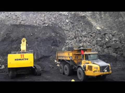 Cận cảnh việc khai thác than tại Quảng NInh- Việt Nam