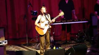 Ani DiFranco - Angry Anymore (live in Grass Valley)