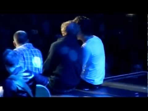 Little Things- One Direction and Ed Sheeran at Madison Square Garden 12/3/12 (видео)