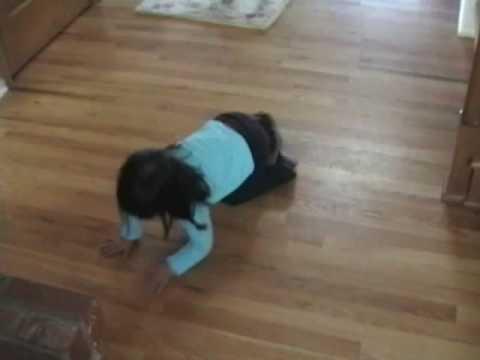いーちゃんねる : 飼い犬に翻弄される幼女が可愛い件