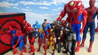 Spider-Man, Iron Man, Captain America Marvel Avengers Heroes Fit into Red Block Box