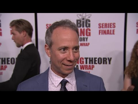 """""""The Big Bang Theory"""" stars Kevin Sussman and Simon Helberg say acting on the just-ended show didn't exactly turn them into science geeks. (May 17)"""