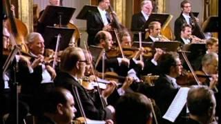 W.A.Mozart - Sinfonía No.28 en Do Mayor, K.200 (Mov.3 y4)