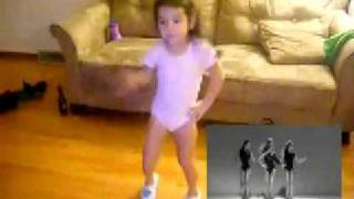 Arianna dancing to Beyonce