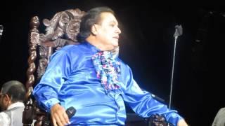 yo en su ultimo concierto y juan gabriel cantando no tengo dinero ni nada k dar