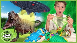 Dinosaurs vs Aliens! Search for Treasure X Aliens Toys with T-Rex Dinosaur Escape for Kids