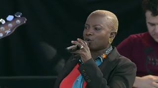 Angelique Kidjo - Afirika - 8/13/2006 - Newport Jazz Festival (Official)