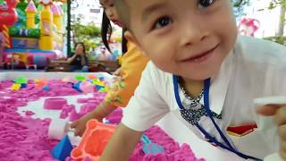 Trò Chơi Bé Sữa Xe Máy ❤ ChiChi ToysReview TV ❤ Đồ Chơi Trẻ Em Baby Car Tools