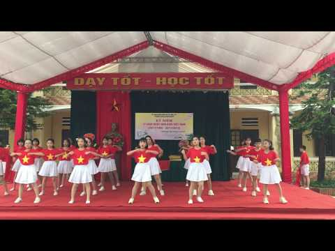 Liên khúc - Đến với con người Việt Nam, Nối vòng tay lớn - Lớp 6A1 trường THCS Xuân Khanh