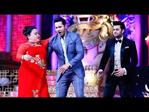 BEST COMEDY SCENES OF  MANISH PAUL AND BHARTI SINGH IN AWARD SHOW