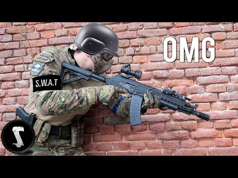 S.W.A.T officer plays airsoft