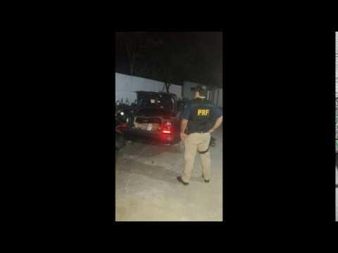 PRF flagra tentativa de saque de carga de caminhão na Régis