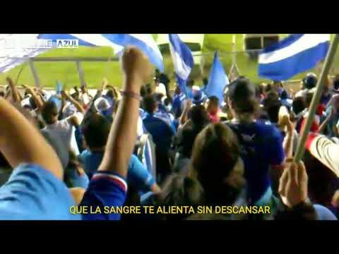 """Yo te sigo a todas partes a donde vas"" Barra: La Sangre Azul • Club: Cruz Azul"