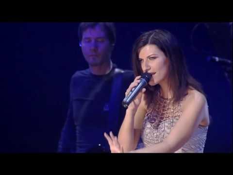 Laura Pausini Il Tuo Nome In Maiuscolo  Live In París 2005