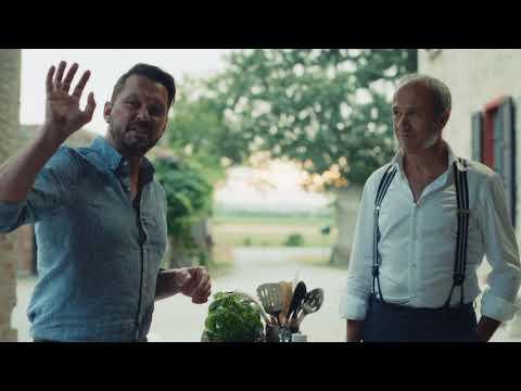 Musique pub  mutti Jimmy Doherty et Francesco Mutti à la récolte de tomates Mutti à Parme.     juillet 2021