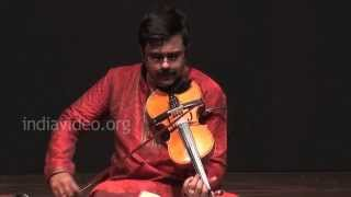 Violin performance by A. Jayadevan on Kurai Ondrum Ellai