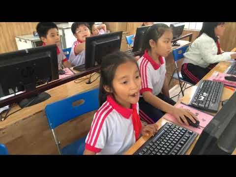 Giờ học vi tính lớp 4, Trường Liên cấp Hoa Sen , Ninh Thuận