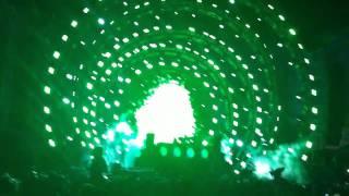 Moby Live @ EDC 2010 Basement Jaxx - Raindrops (Funkagenda & Paul Thomas ReDux)