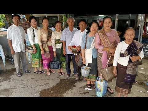 Ep.55 Attapeu Laos - Thak Baht and Giving Alms *ทานบิณฑบาต ~ ໃຫ້ອາຮາມ