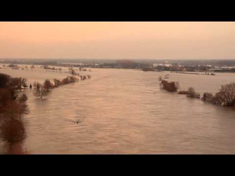Hoogwater van de Maas in Maashees - vanaf toren Havens
