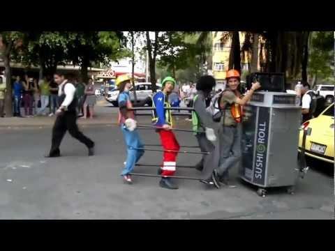 Điệu nhảy bá đạo trên phố, không cười không phải là người