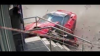 Мажор на спорткаре протаранил ломбард! Видео!