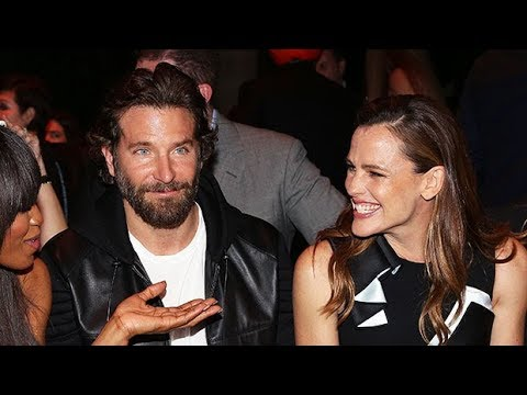 Jennifer Garner Reunites With Bradley Cooper For Beach Playdate With Kids: See 'Alias' Co-Stars Toge