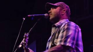 Aaron Lewis - Aaron Calls Out Beer Throwing Fan / Forever LIVE 11/5/15