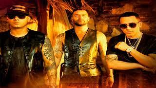 Gambar cover Ricky Martin Ft. Wisin Y Yandel - Fiebre