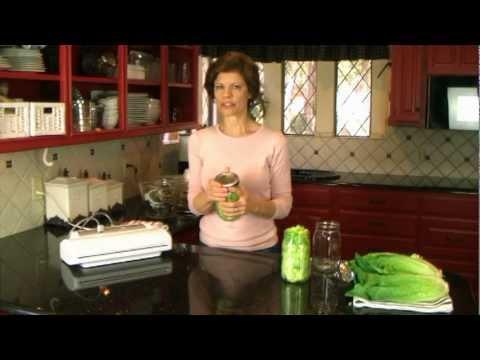 How to Make Salad in a Jar That Lasts a Week - SaladinaJar.com