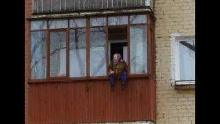 Захлопнулась балконная дверь у бабушки 90 лет!
