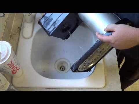 How to deep clean your coffee maker