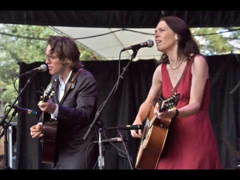 Gillian Welch and David Rawlings - Pancho and Lefty (09-27-1997)