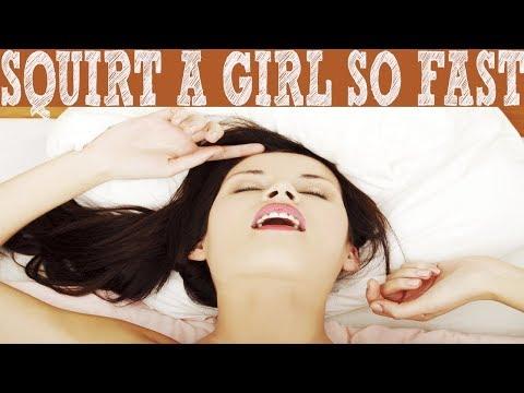 Girlfriend seduced gives handjob