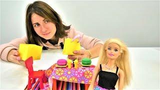 Барби готовится к свиданию с Кеном. Игры в куклы для девочек