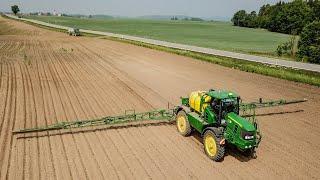 jarní postřík kukuřice - John Deere 5430i