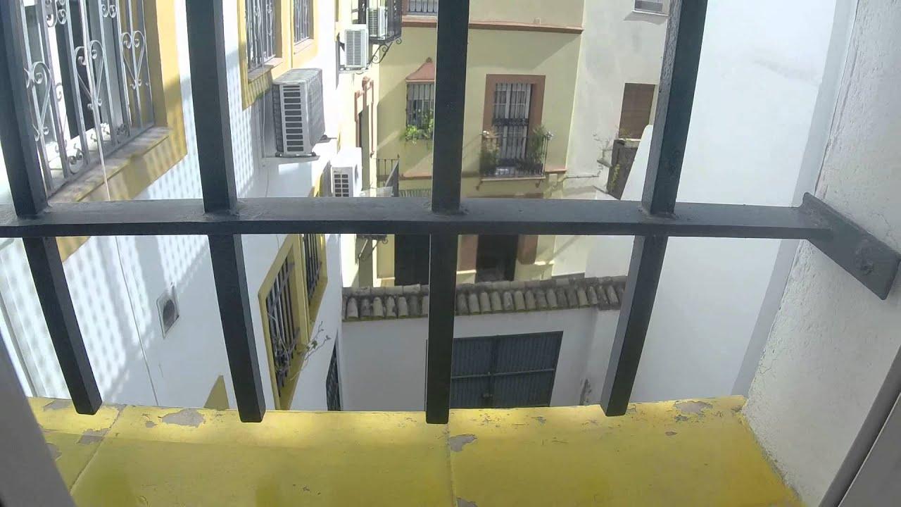 3 Bedroom Apartment with Balcony near Alameda de Hercules