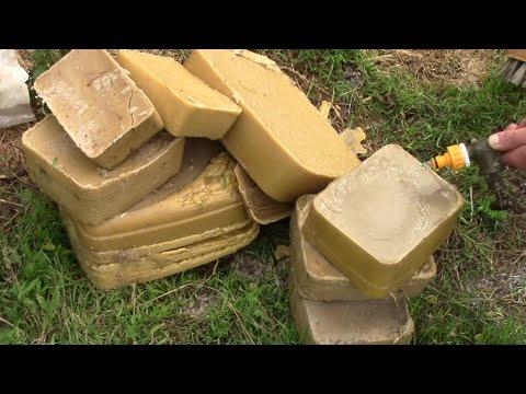 Wie wir unser Bienenwachs reinigen und filtern