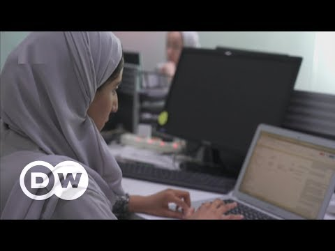 Saudi women get to work - and drive | DW English