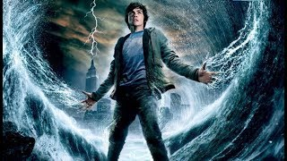 小伙是海神和凡人的后代,操控海水暴揍天神,受伤还能瞬间痊愈
