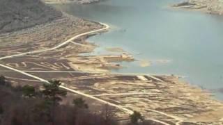 preview picture of video 'L'antiga Tiurana sota les aigües de l'embassament de Rialb'