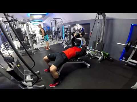 Ćwiczenia na wzmocnienie mięśni brzucha stojąc