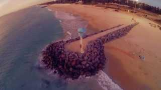 Смотреть онлайн Красота морского пляжа с высоты птичьего полета