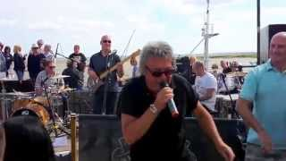 preview picture of video 'Pieface, Lazy Sunday Afternoon Live in Leigh on Sea 25 5 14'